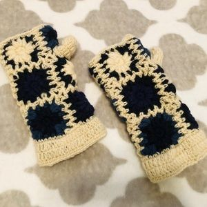 Wool fleece lined cream, black & blue mittens
